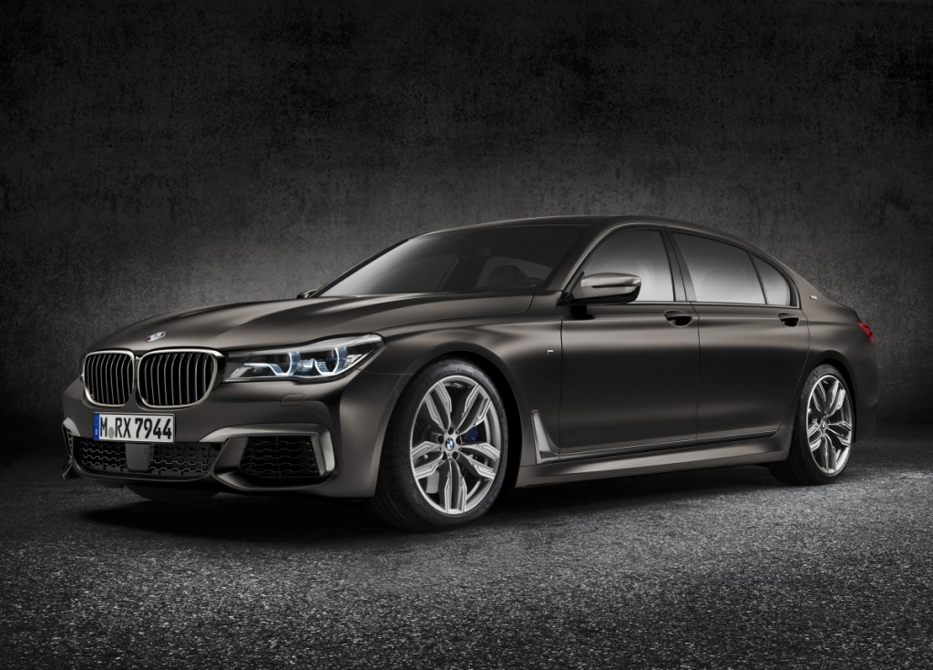 Optimized-P90208690_highRes_bmw-m760li-xdrive-ex