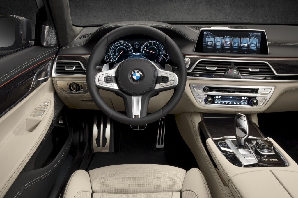 Optimized-P90208701_highRes_bmw-m760li-xdrive-in