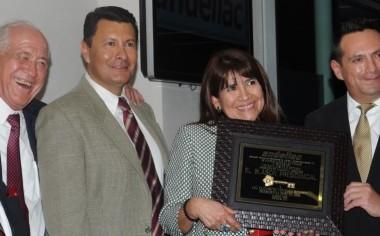 Elizabeth Ventura recibe la presidencia de Andellac
