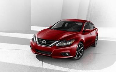 Nissan Altima 2017 llega a los distribuidores del país