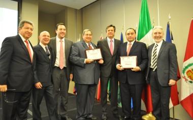 Premian a los puertos de Ensenada e Isla Mujeres