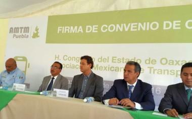 Firman alianza para crear proyecto de movilidad integral en Oaxaca
