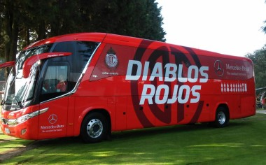 Mercedes-Benz transporta al Club Toluca