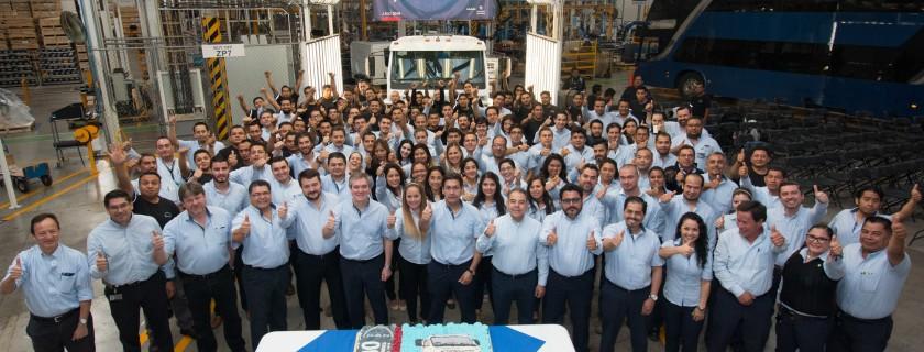 Foto del Grupo de las 4,000 unidades
