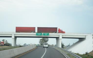 Descienden exportaciones de vehículos