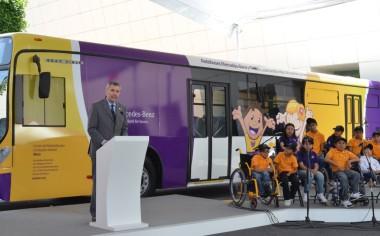 Mercedes-Benz Autobuses entrega unidades renovadas a Fundación Infantil Teletón