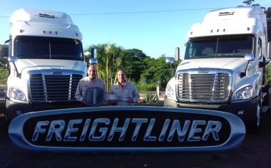 Tecnocargo recibe tractocamiones Freightliner bajo el programa de renovación