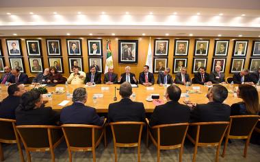 SCT y líderes transportistas y empresariales pactan por el fortalecimiento del país