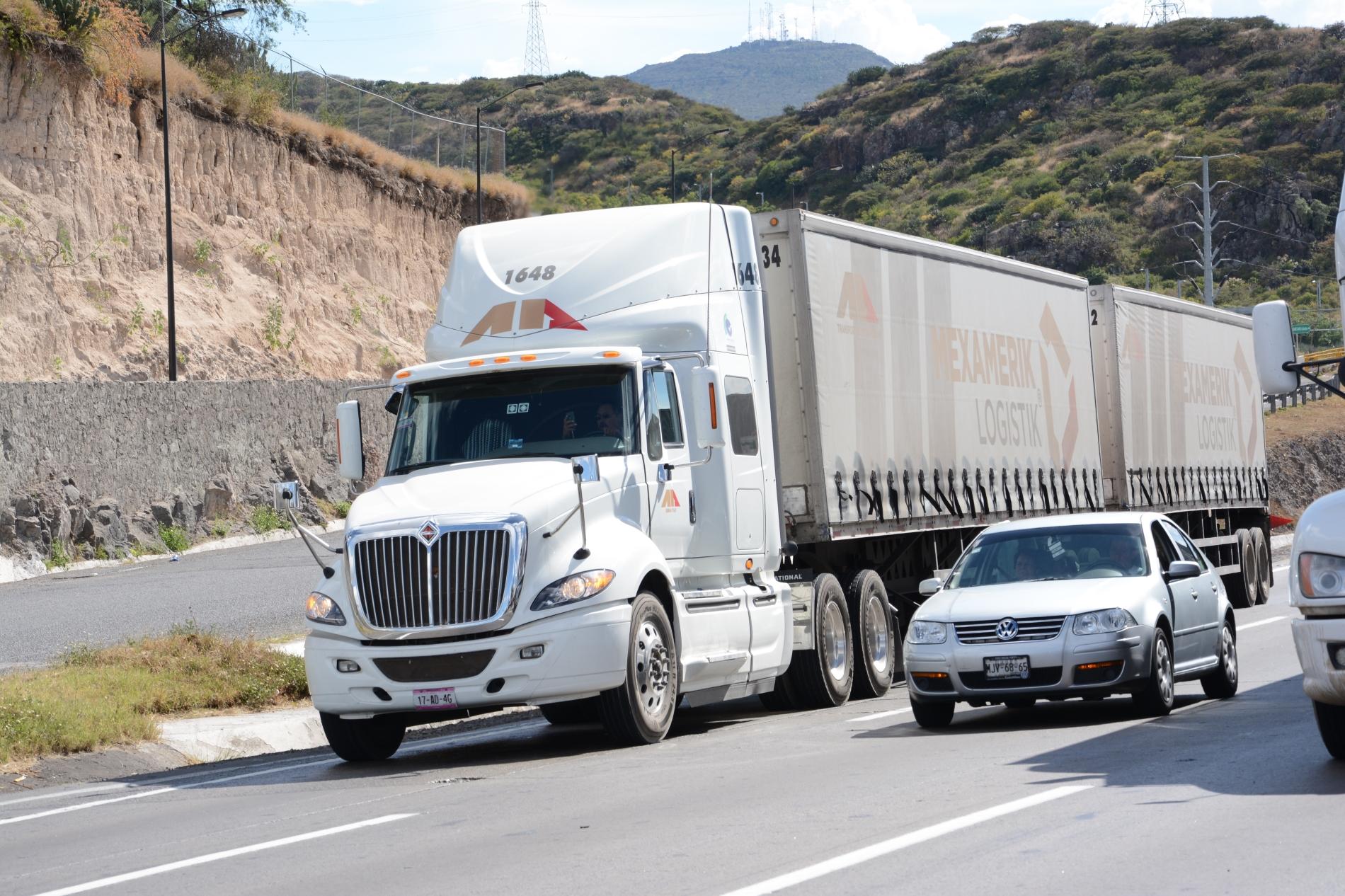 NOM-167 establece límites de emisión de contaminantes a vehículos