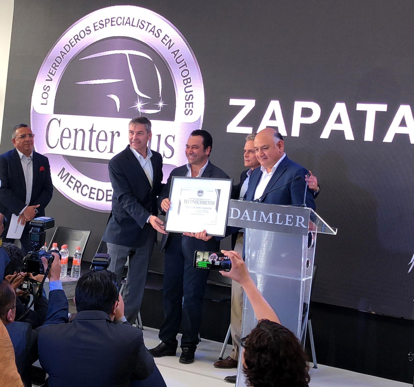 Mercedes-Benz Autobuses y Zapata Camiones inauguran nuevo Center Bus Aeropuerto