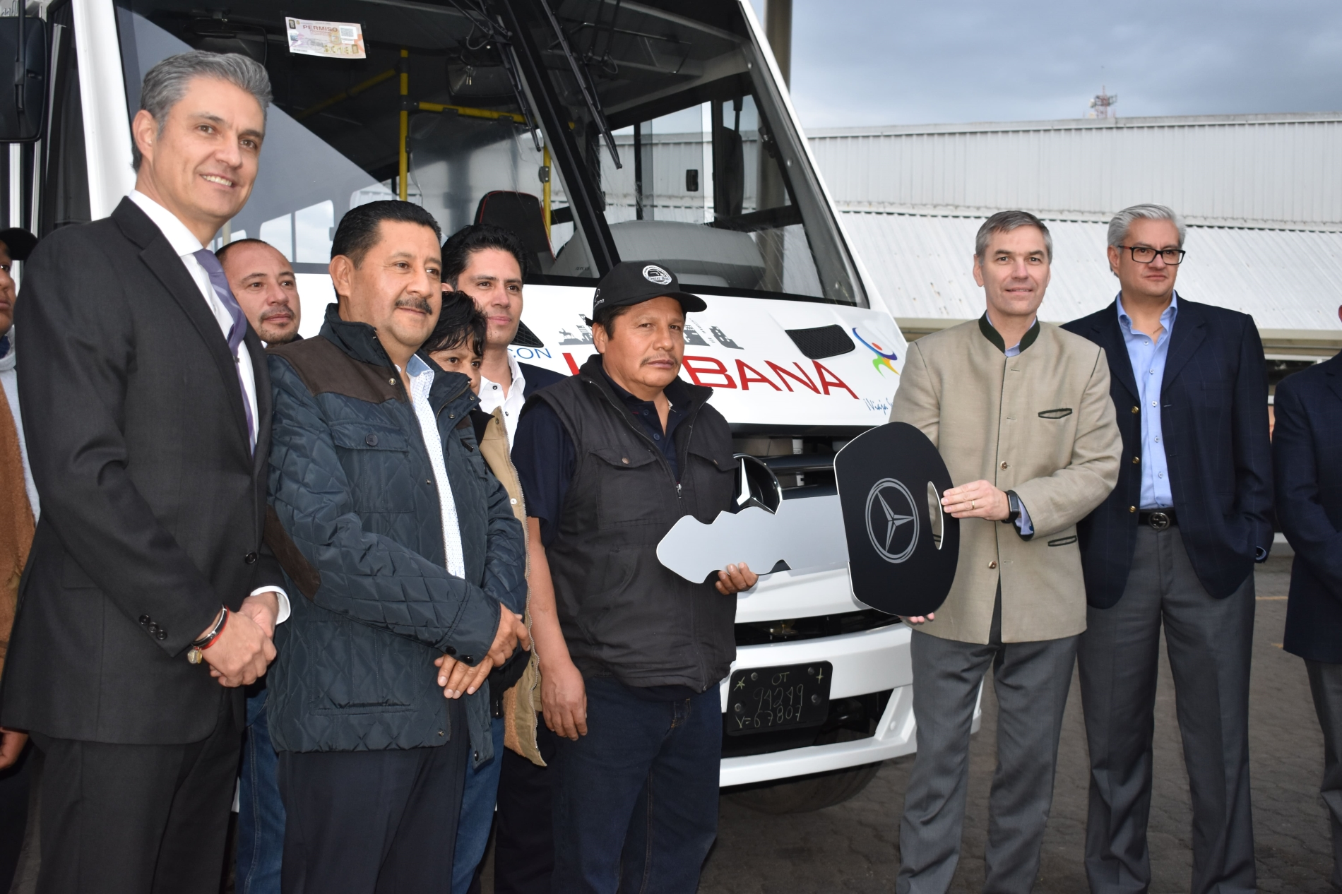 Inaugura Mercedes-Benz séptimo Center Bus en Toluca