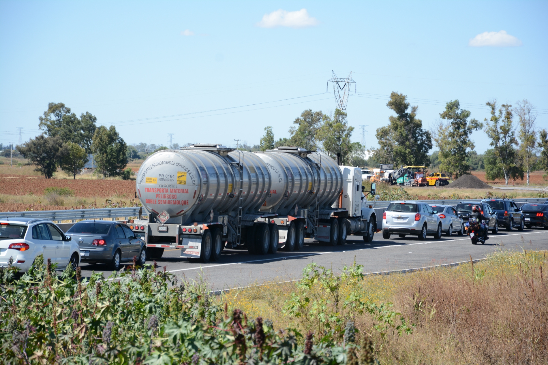 Autotanques de CANACAR ya atienden entidades en estado crítico