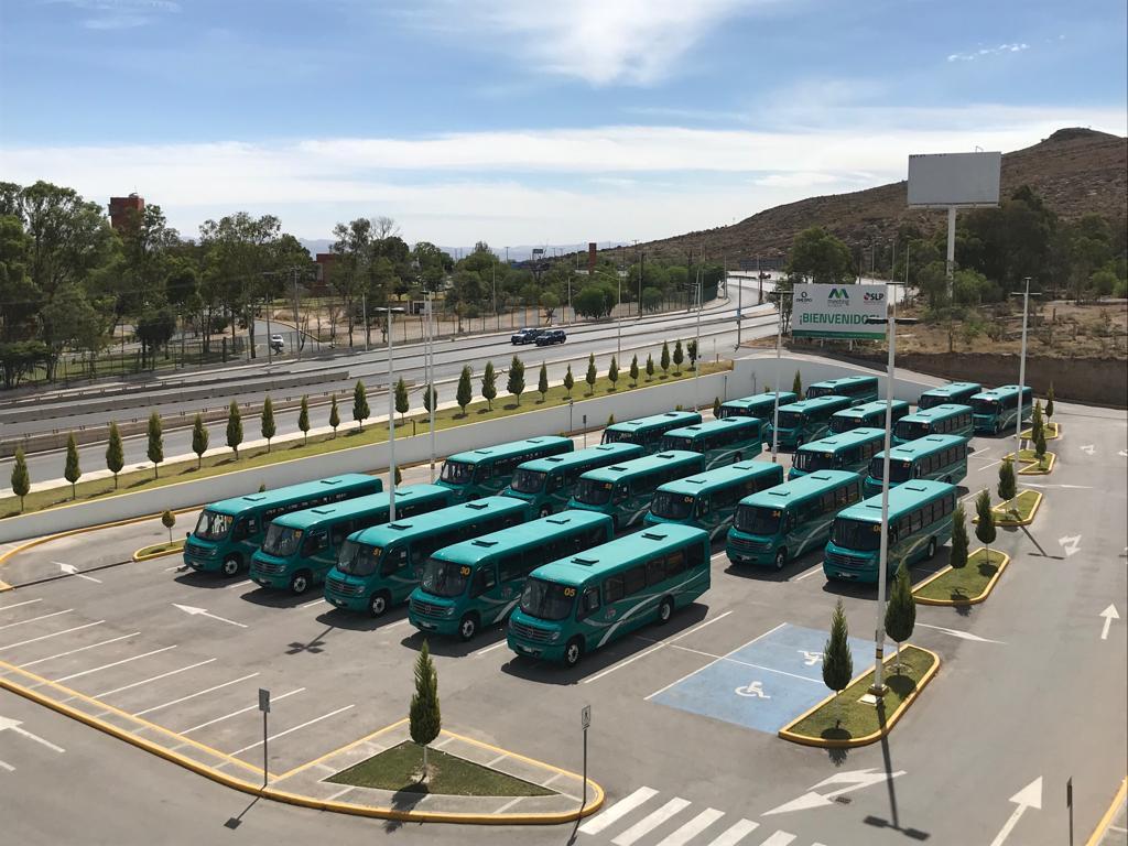 Mercedes-Benz mejora la movilidad en San Luis Potosí