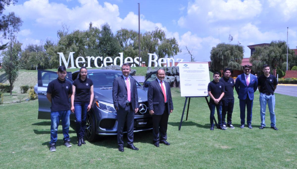 Mercedes-Benz impulsa talento de egresados del CONALEP